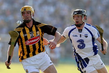 Kilkenny&#39;s Colin Fennelly and Kevin Moran of Waterford<br />&#169;INPHO/Lorraine O&#39;Sullivan