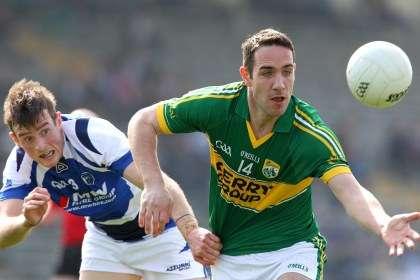 Kerry's Declan O'Sullivan out ahead of Kieran Lillis of Laois ©INPHO/Lorraine O'Sullivan