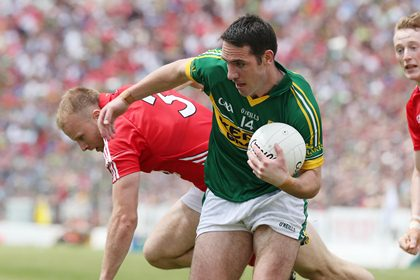 Kerry&#39;s Declan O&#39;Sullivan and Michael Shields of Cork<br />&#169;INPHO/Lorraine O&#39;Sullivan