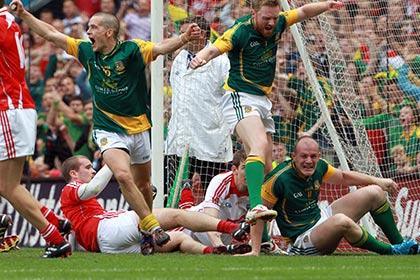 Seamus kenny, Caoimhin King and Joe Sheridan celebrate 'that' goal. INPHO
