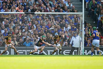 Kilkenny's TJ Reid and goalkeeper Eoin Murphy save a penalty from John O'Dwyer of Tipperary. INPHO