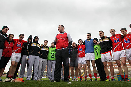 Aidan O'Rourke speaks to the squad at Portlaoise. INPHO