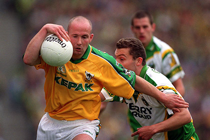 Meath's top scorer Ollie Murphy gains possession during the 2001 All Ireland SFC semi final against Kerry. INPHO