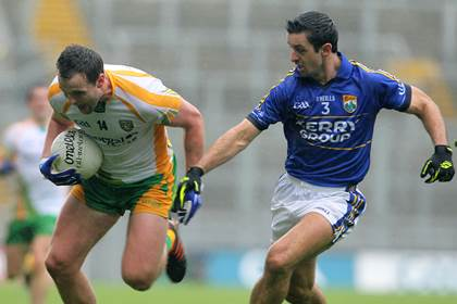 Michael Murphy with Aidan O&#39;Mahony during the 2012 All-Ireland SFC quarter-final.<br />&#169;INPHO/Lorraine O&#39;Sullivan.