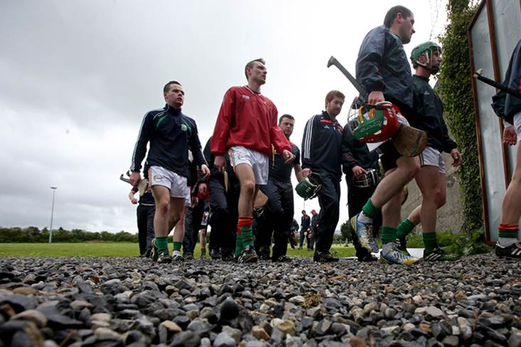 The Carlow team make their way in after a warm up.<br />&#169;INPHO/Ryan Byrne.