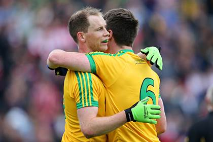 Donegal&#39;s Anthony Thompson and Leo McLoone.<br />&#169;INPHO/Cathal Noonan.