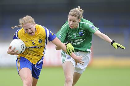 Roscommon&#39;s Caitriona Regan with Caroline Little of Fermanagh.<br />&#169;INPHO/Tommy Grealy.