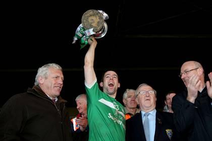 Kilmallock captain Graeme Mulcahy lifts the Munster club SHC trophy.<br />&#169;INPHO/Ryan Byrne.