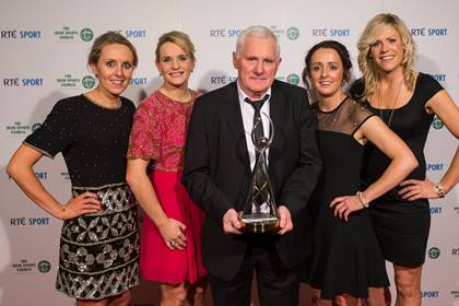 Cork ladies were crowned RTE team of the year. L/R: Nollaig Cleary, Briege Corkery, manager Eamonn Ryan, Geraldine O&#39;Flynn and Angela Walsh.<br />&#169;INPHO/Cathal Noonan.