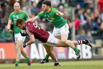 Galway&#39;s Paul Conroy and Gary Reynolds of Leitrim.<br />&#169;INPHO/James Crombie.