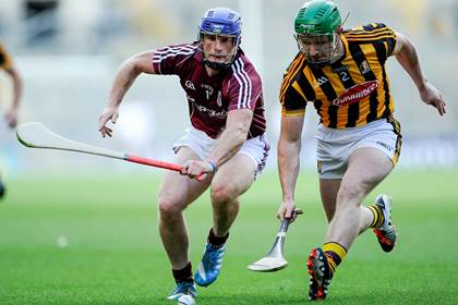 Kilkenny&#39;s Paul Murphy with Cyril Donnellan of Galway.<br />&#169;INPHO/Tommy Grealy.