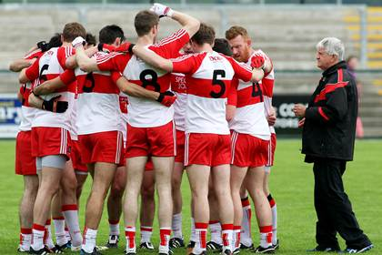 Brian McIver joins the Derry pre-match team huddle.<br />&#169;INPHO/Presseye/Lorcan Doherty.