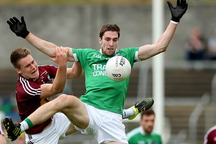 Westmeath&#39;s Paddy Holloway and Eoin Donnelly of Fermanagh.<br />&#169;INPHO/James Crombie.