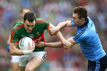 Dublin&#39;s Jack McCaffrey tackles Diarmuid O&#39;Connor of Mayo.<br />&#169;INPHO/Cathal Noonan.