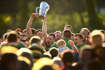 Glen Rovers players celebrate winning their first Cork SHC title in 26 years.<br />&#169;INPHO/Cathal Noonan.