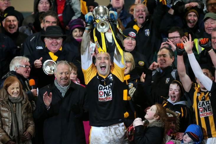 Crossmaglen captain Paul Hearty lifts the Ulster club SFC silverware.<br />&#169;INPHO/Presseye/Declan Roughan.