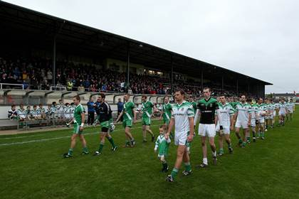 Moorefield and Sarsfields parade before the Kildare SFC final at St Conleths Park, Newbridge.<br />&#169;INPHO/Ryan Byrne.