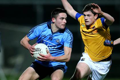 Dublin&#39;s Niall Scully with Mattie Gorman of Longford.<br />&#169;INPHO/Cathal Noonan.