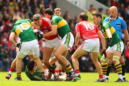 Action from the Munster SFC final between Cork and Kerry at Pairc Ui Chaoimh, Cork.<br />&#169;INPHO/Cathal Noonan.