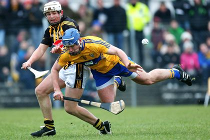Clare&#39;s Conor Ryan and Padraig Walsh of Kilkenny.<br />&#169;INPHO/Ryan Byrne.