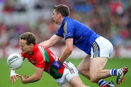 Kerry&#39;s Marc O&#39;Se and Andy Moran of Mayo<br />&#169;INPHO